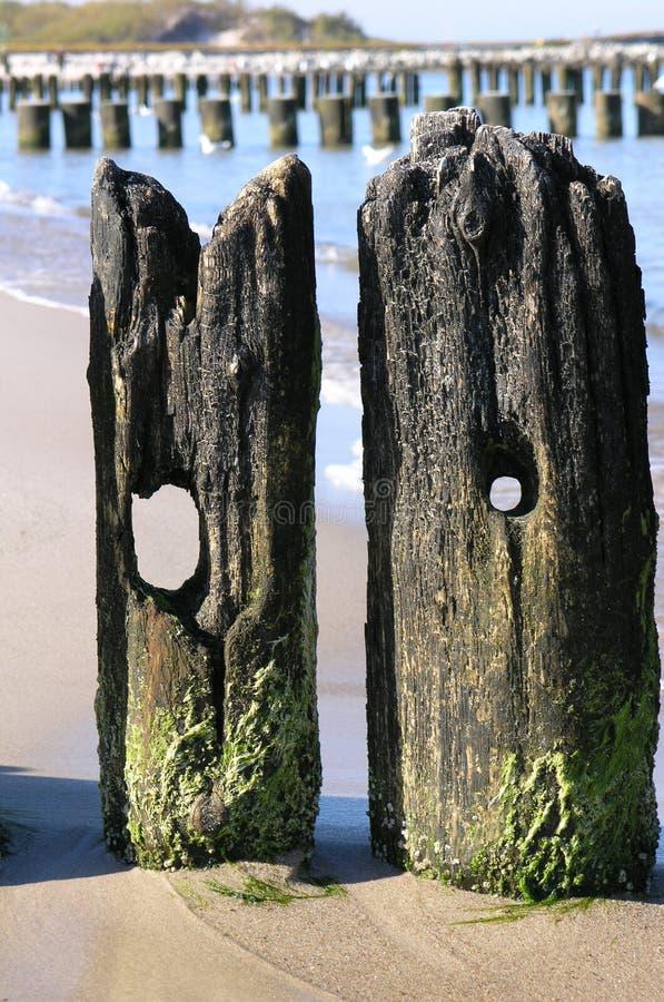 Download Vieux couples. image stock. Image du trou, vieux, wooden - 742849