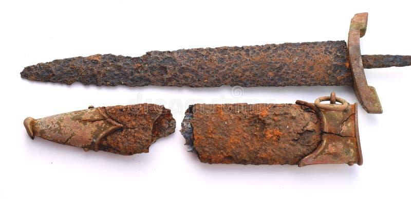 Vieux couteau militaire rouillé photos libres de droits