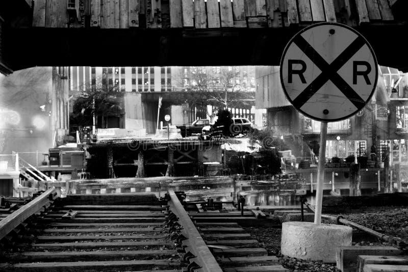 Vieux croisement de chemin de fer au-dessus de la rivière Chicago photo stock