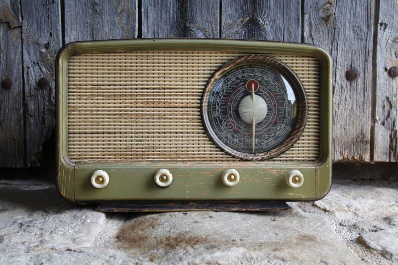 Vieux cru par radio photo stock