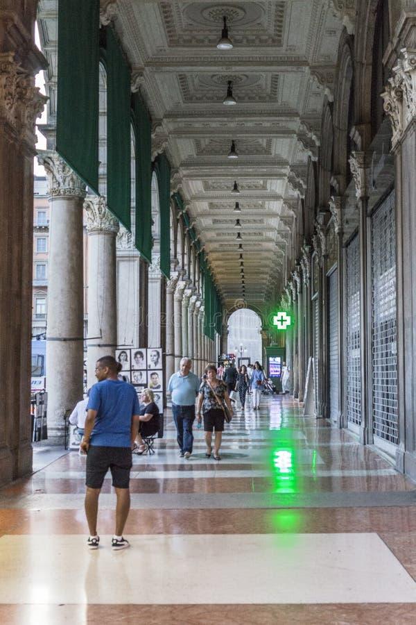 Vieux détail de bâtiment, Milan photographie stock libre de droits