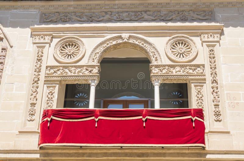 Vieux détail de façade de maison et de prison de justice, maintenant ville hôtel, Baeza, photo stock
