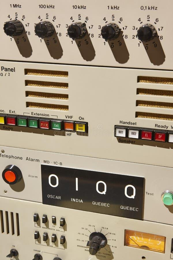 Vieux détail submersible d'équipement d'émetteur radioélectrique Devic militaire image libre de droits