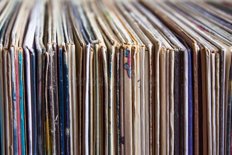 Vieux disques vinyle, collection d'albums photographie stock libre de droits