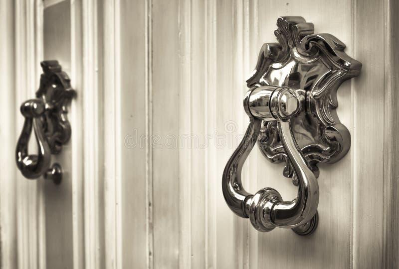 Vieux doorknocker photo libre de droits