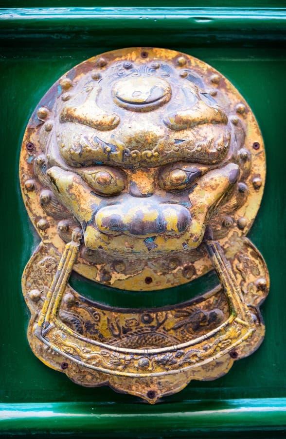 Vieux doorknocker image stock
