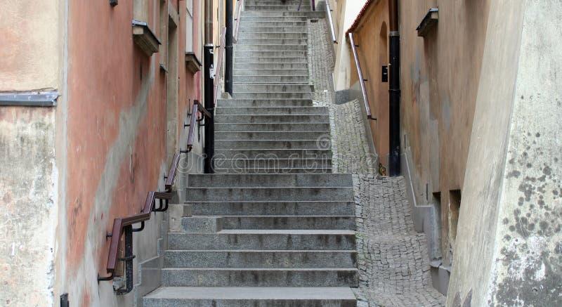 Vieux escaliers de ville image libre de droits