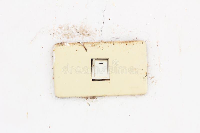 Vieux et sale commutateur électrique image libre de droits