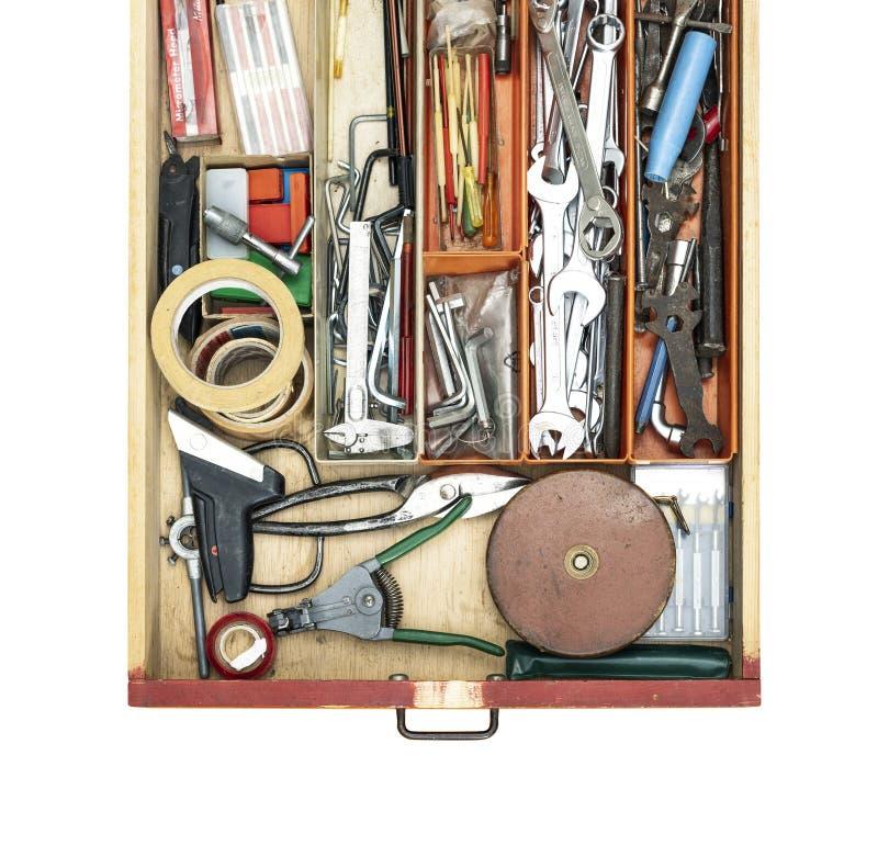 Vieux faites-le vous-m?me travaillent des outils dans un tiroir images stock