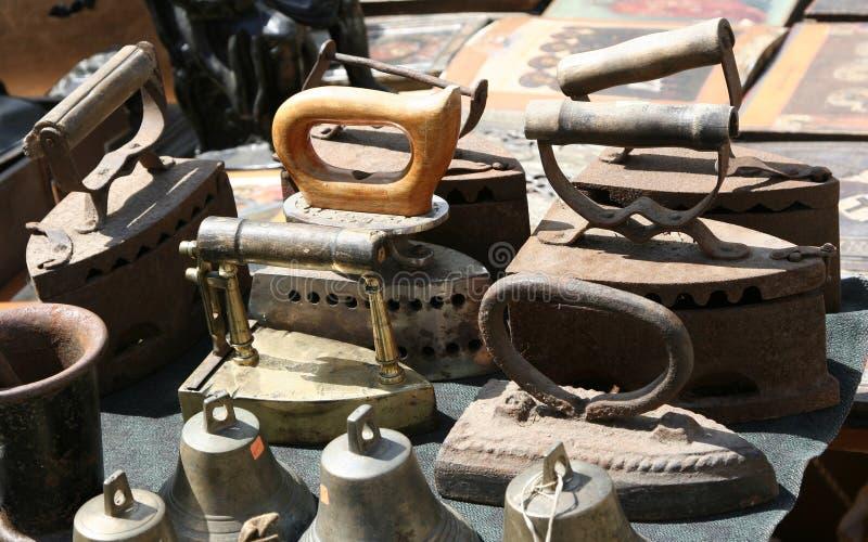 Vieux fers photographie stock libre de droits
