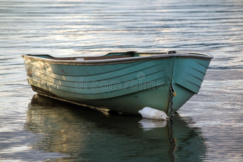 Vieux flottement de bateau de cliquet images libres de droits