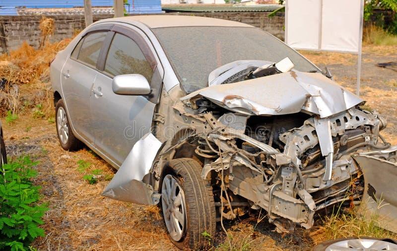 Vieux fond d'accident de voiture photo libre de droits
