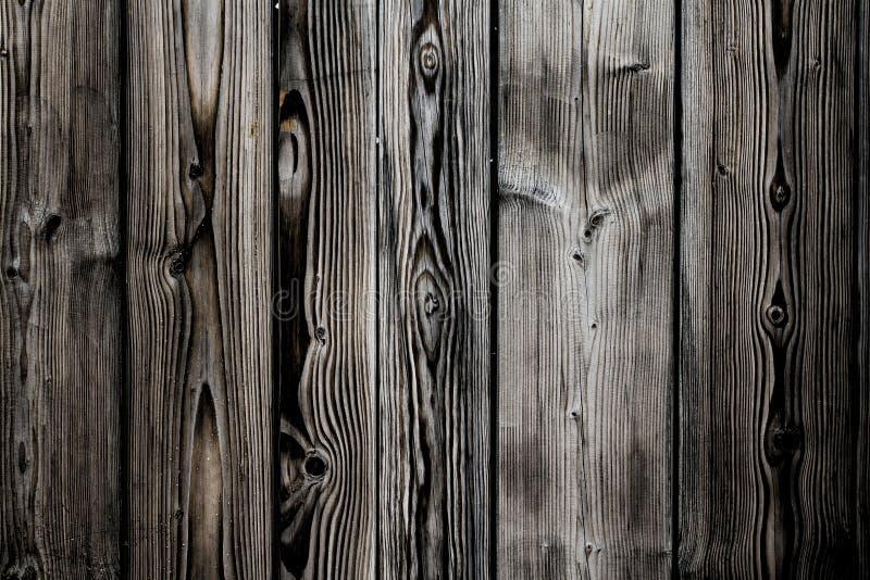 Vieux fond en bois peint gris brun blanc sale et superficiel par les agents de texture de planche de mur de cru marqué par longue image stock