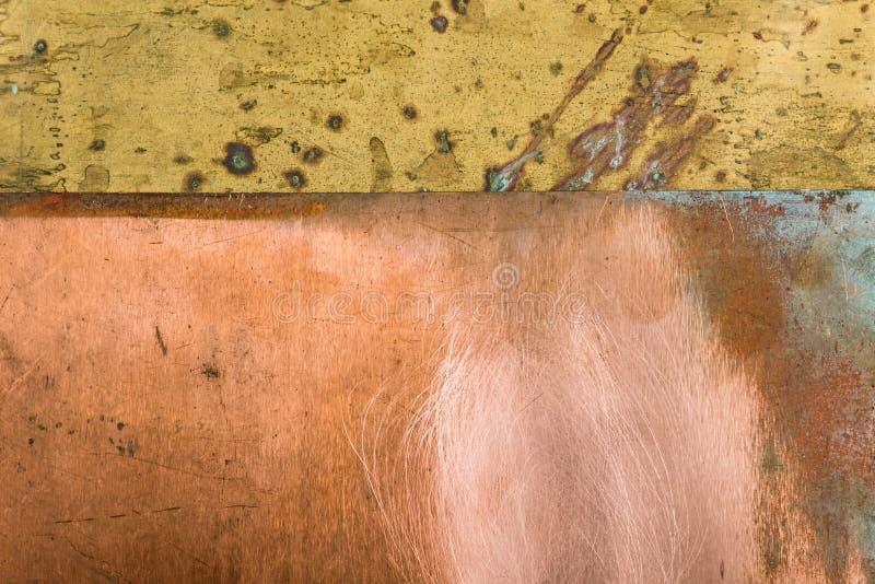 Vieux fond texturisé en métal de bronze d'en cuivre de modèle photographie stock