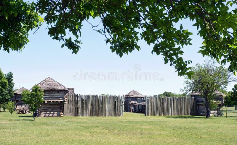Vieux fort de bois de construction images stock