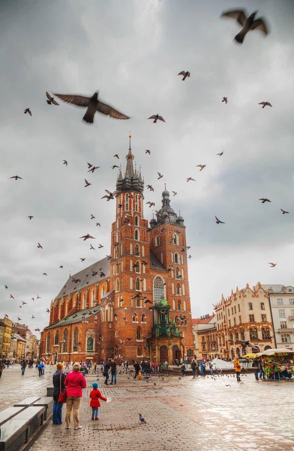 Vieux grand dos du marché à Cracovie, Pologne photo libre de droits