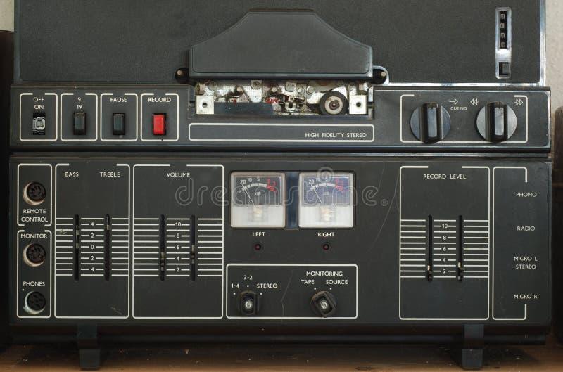 Vieux groupe de magnetophone images libres de droits