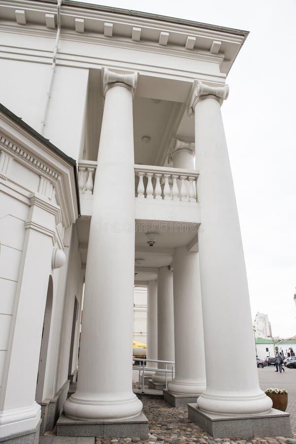 Vieux hôtel de ville à Minsk images stock