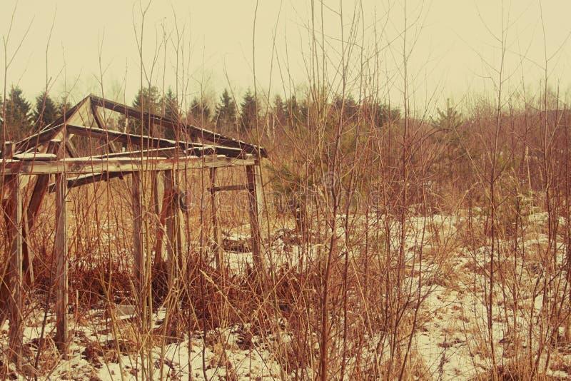 Vieux hangar en bois images stock