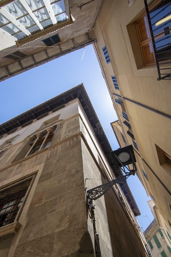 Vieux jour ensoleill? Palma Mallorca de ciel bleu d'architecture de ville images libres de droits