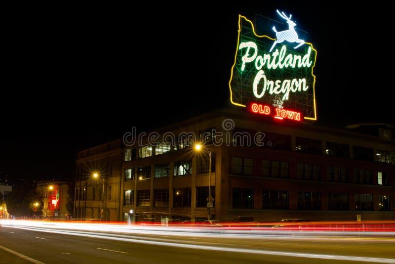 Vieux journaux historiques de lumière de signe de ville de Portland photos libres de droits