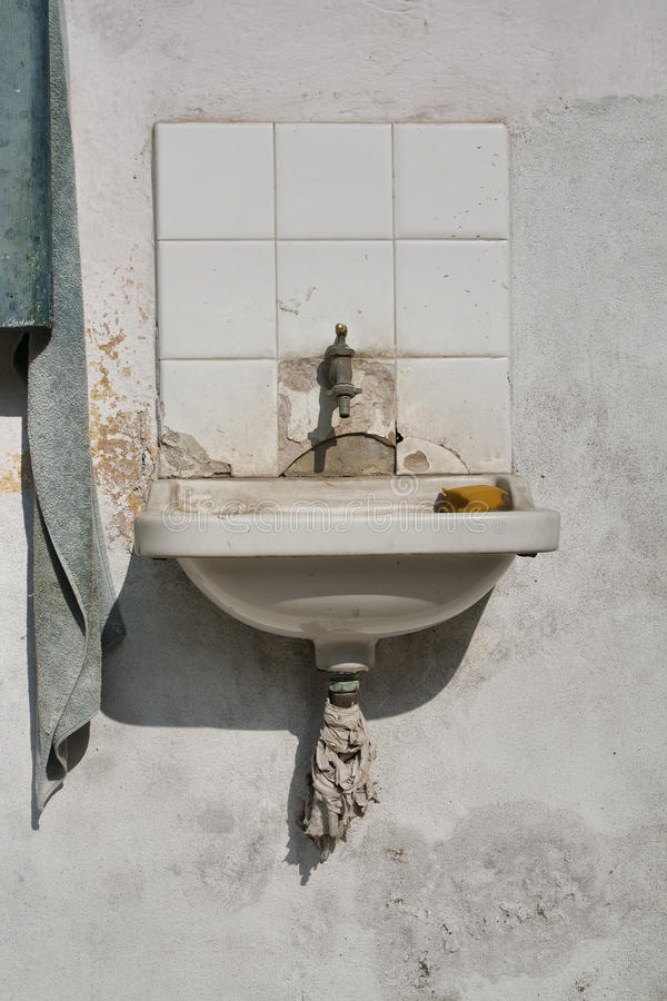 vieux lavabo