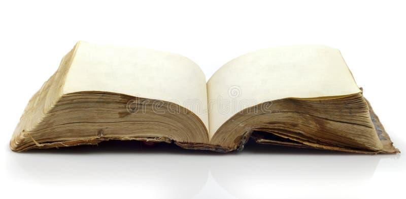 Vieux livre déchiré en lambeaux photos libres de droits