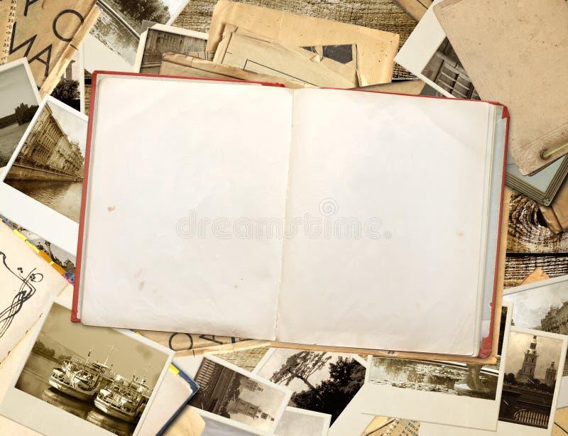 Vieux livre et photos images stock