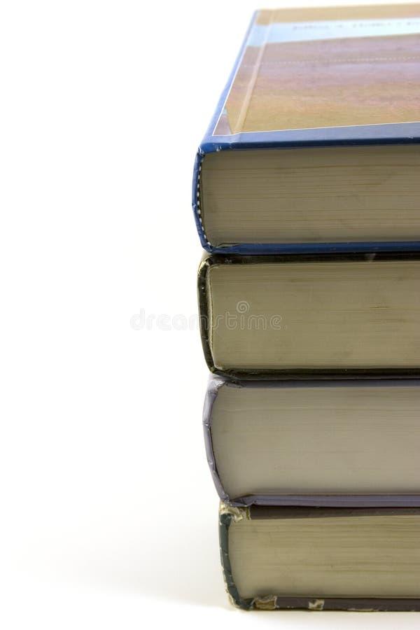 Vieux livres empilés vers le haut image stock