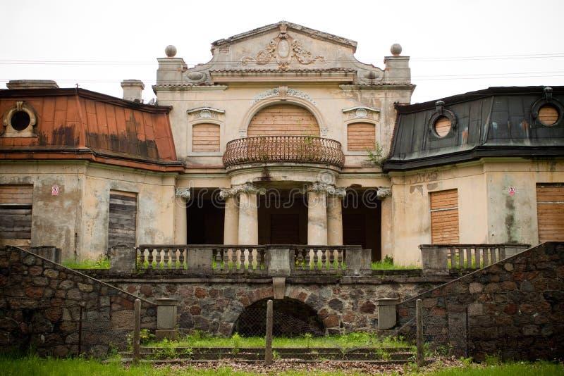 Vieux manoir abandonné images stock