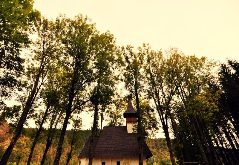 Vieux monastère roumain photographie stock libre de droits