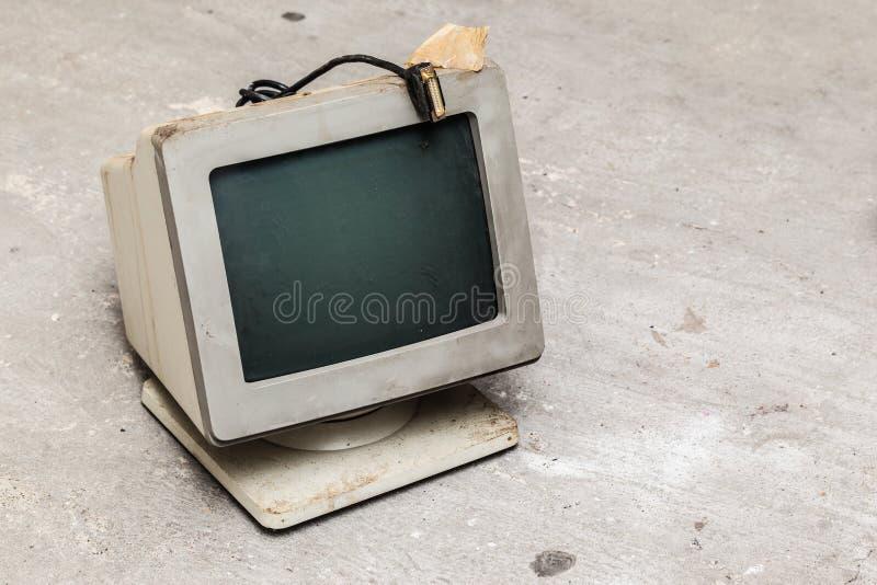 Vieux moniteur d'ordinateur images stock