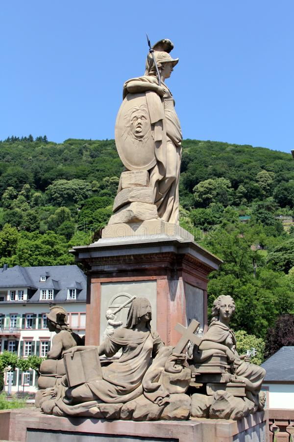 Vieux monument de pont à Heidelberg, Allemagne images libres de droits
