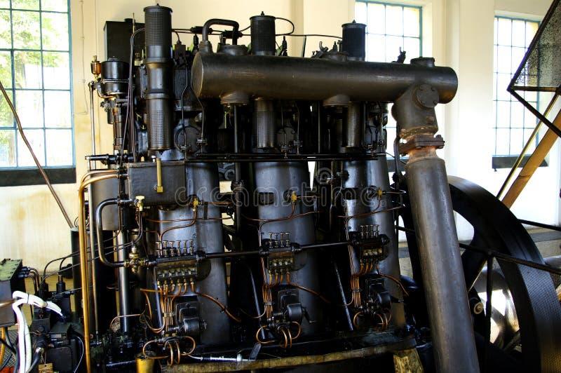 vieux moteur diesel de 1930 photo stock image du diesel m tal 25785374. Black Bedroom Furniture Sets. Home Design Ideas