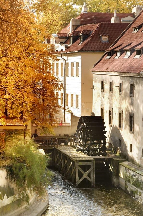 Vieux moulin à eau photographie stock libre de droits