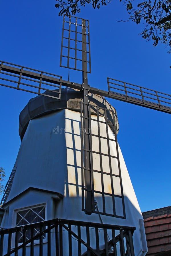 Vieux moulin à vent dans Solvang la Californie photos libres de droits