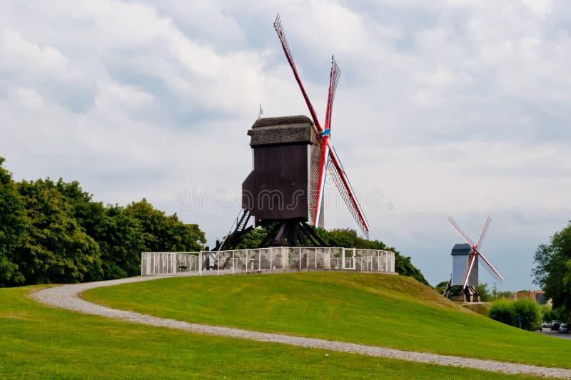 Vieux moulin à vent initial à Bruges image libre de droits
