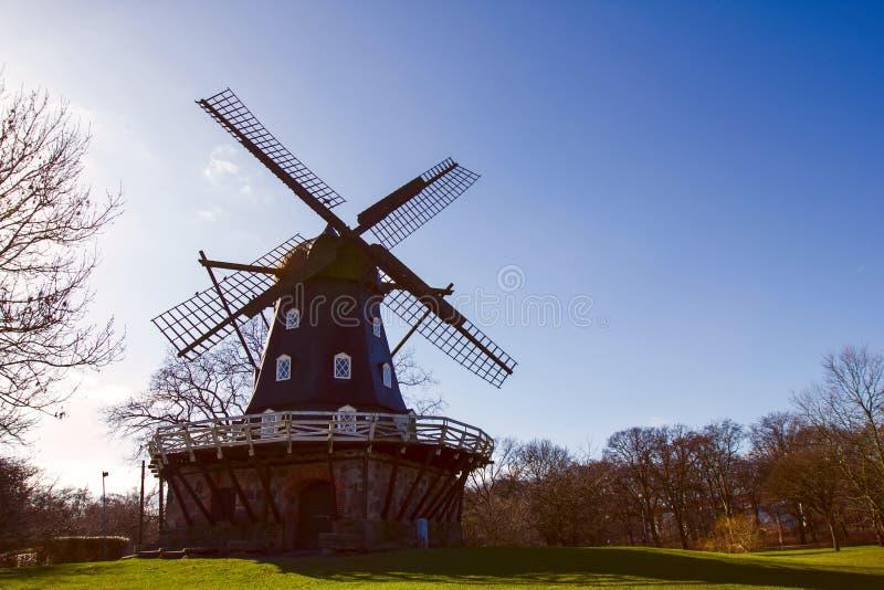 Vieux moulin à vent Malmö Suède images stock