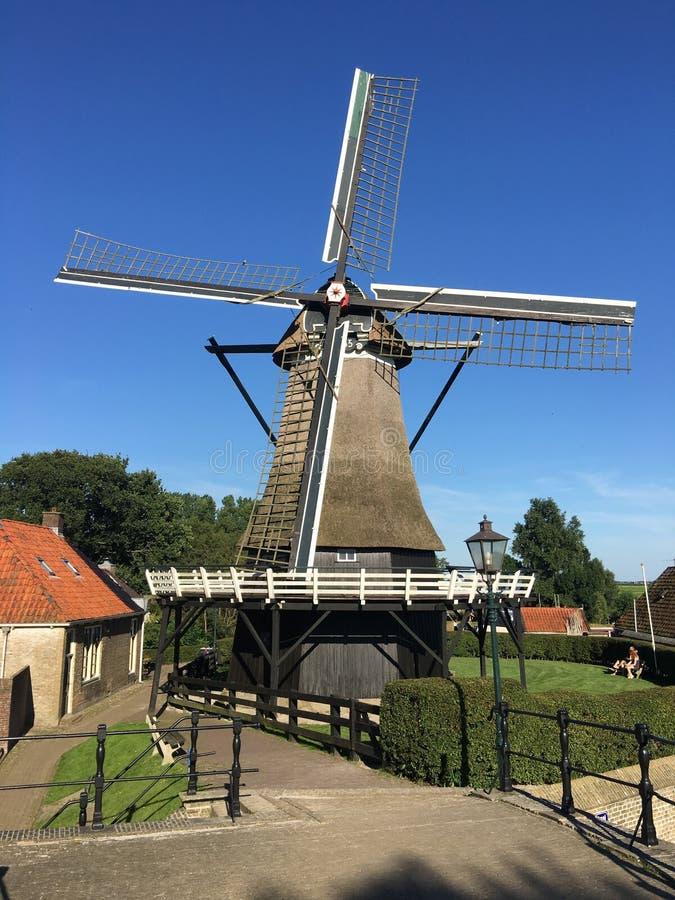 Download Vieux Moulin à Vent Néerlandais Photo stock - Image du maison, traditionnel: 76083218