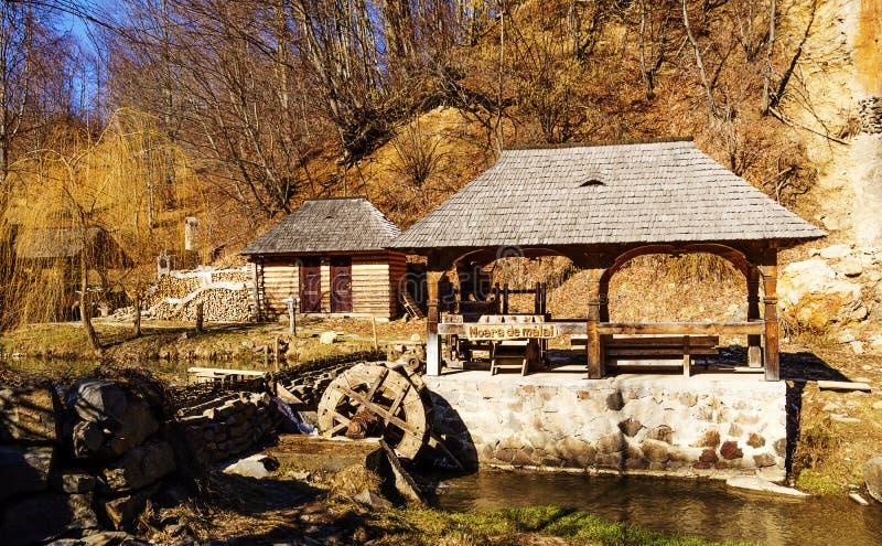 Vieux moulin de maïs image stock