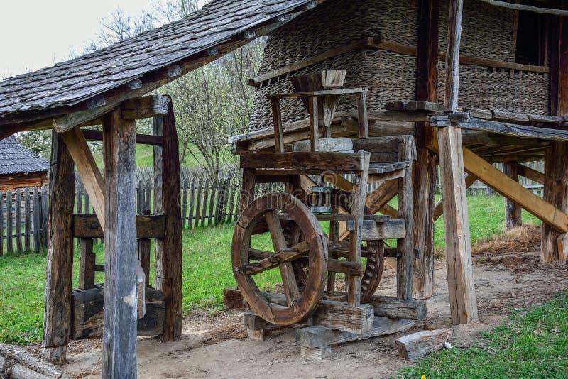Vieux moulin de maïs photographie stock