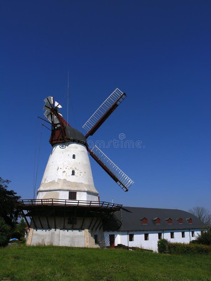 Vieux moulin de vent images stock