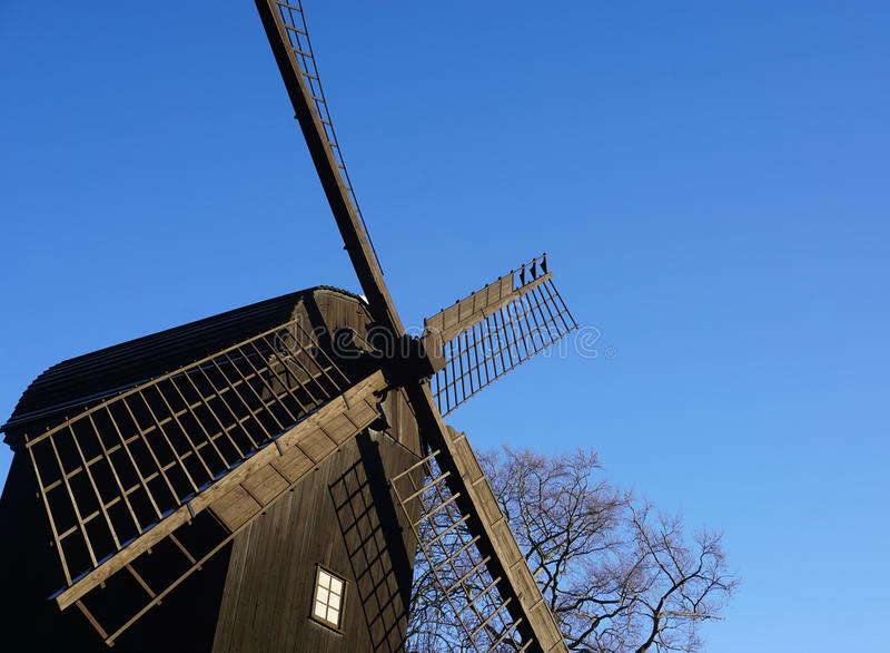 Vieux moulin de vent photo stock