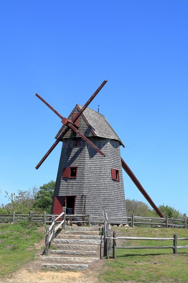 Vieux moulin, le moulin à vent en bois de fonctionnement le plus ancien aux Etats-Unis employés pour rectifier le maïs photo stock