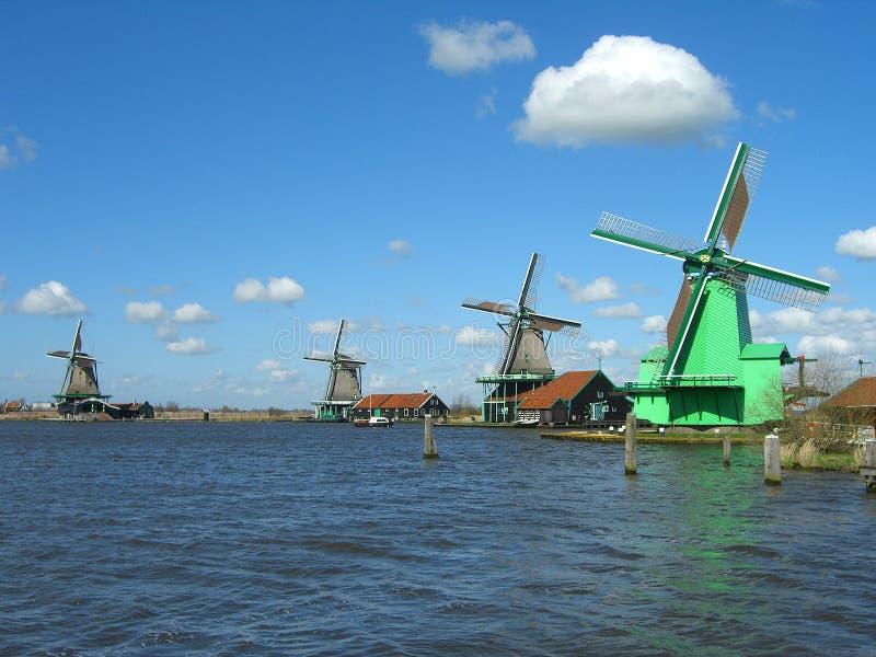 Vieux moulins à vent photo libre de droits