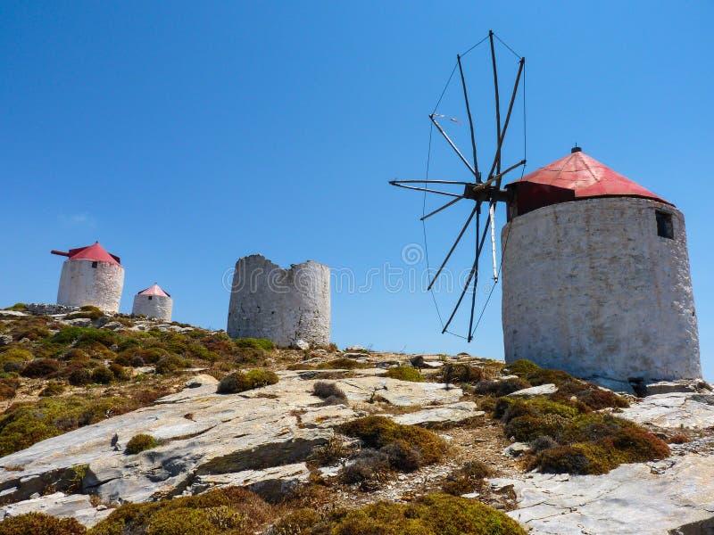 Download Vieux Moulins à Vent Traditionnels Image stock - Image du windmill, course: 56488199