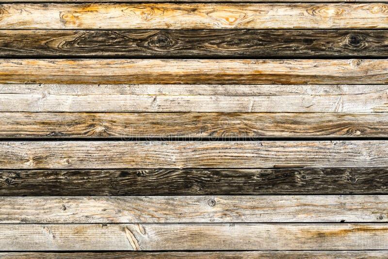 Vieux mur brun naturel en bois de grange Modèle texturisé en bois de fond images libres de droits