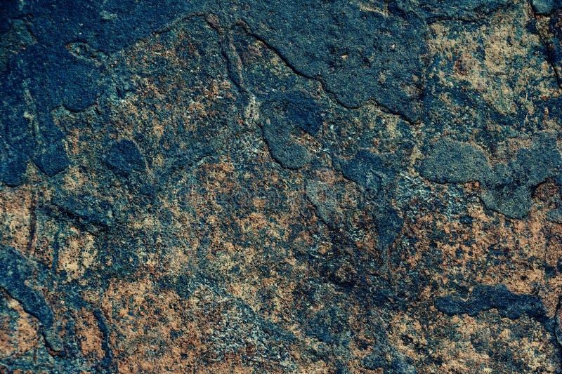 Vieux mur cimentez le plâtre bleu-foncé, backgr gris de texture de rouge bleu images stock