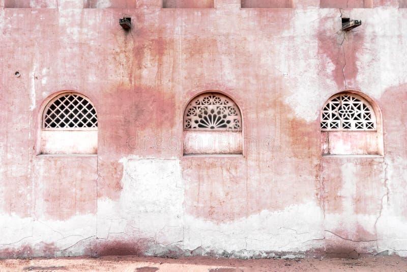 Vieux mur d'architecture orientale photos stock