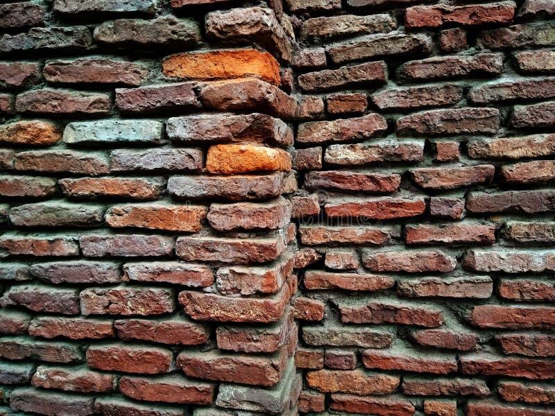 Vieux mur de briques avec un bon nombre de texture et de couleurs images libres de droits
